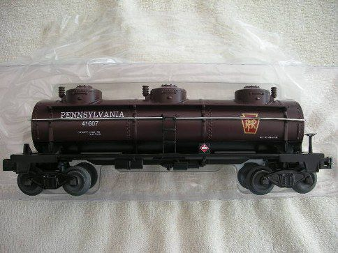 47101 Pennsylvania Three Dome Tankcar