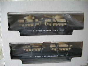 48507 US Army Flatcar With Tanks 2 pack