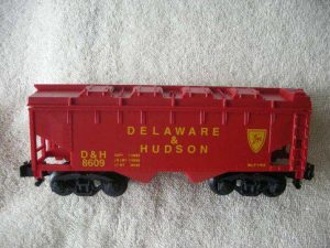 48609 D&H Covered Hopper