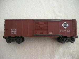 648001 Erie Box Car Brown Roof