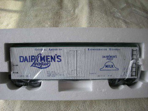 762-8022 Dairyman's League Wood-Sided Reefer