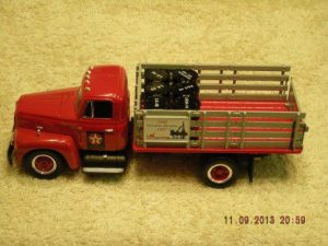 18-2300 1957 International R190 Texaco Stake Truck
