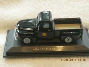 1948-14 1948 Ford Shell Oil F-1 Pickup Truck