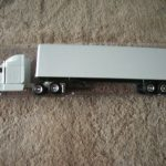 25534 Undecorated Peterbilt Tractor Trailer