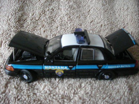 Lot Of 2 NEW Gearbox Montana Highway Patrol Police 2001 Ford Crown Vic 1:43 Car