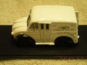 43-017 Early Dawn Milk Truck