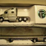 5524191 Peterbilt Curtainside Tractor Trailer