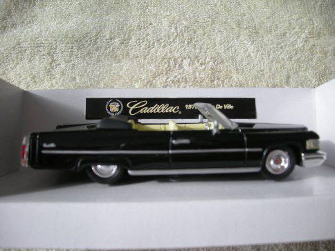 94001-5 1976 Cadillac Coupe DeVille