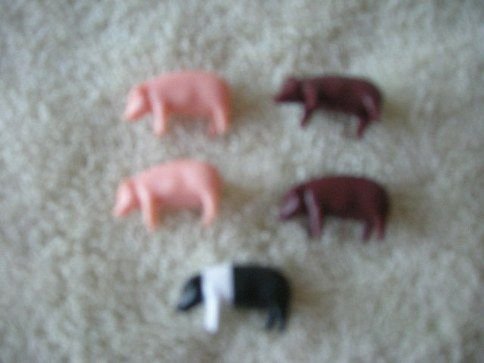 102-25BW Assorted Color Piglets