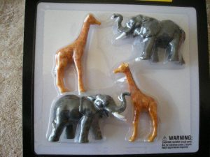 21609 Circus Elephants and Giraffes