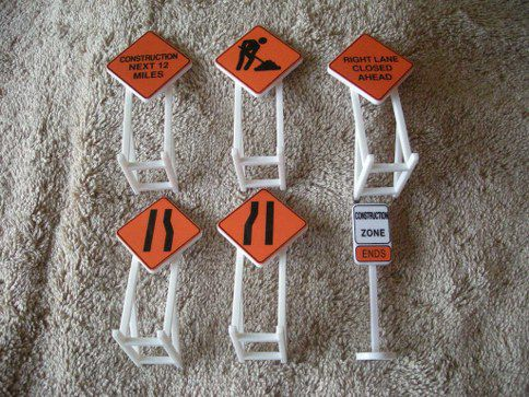 32902 Construction Zone Signs