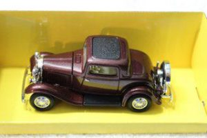 94231BU 1932 Ford 3 Window Coupe
