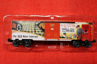 83246 Shell Billboard Art Box Car D L Toy Trains