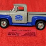 40-0415 First Gear 1:25th scale 1956 Ford Tractor Parts pickup truck