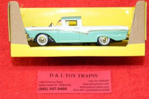 94215gn Lucky Die Cast 1:43rd scale 1957 Ford Ranchero car