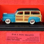 94251tq Yatming 1:43rd scale 1948 Ford Woody car