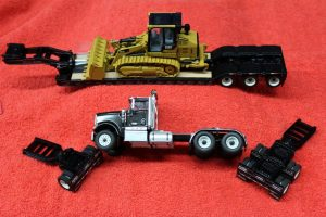 85599 Die Cast Masters 1:50th scale International tractor with lowboy trailer and 963K track loader load
