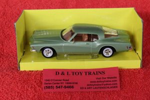 94252GN Lucky Die Cast 1:43rd scale 1971 Buick Riviera car