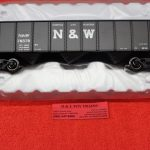 2001874 Atlas O scale 2 rail Norfolk & Western 70 ton 9 panel hopper car