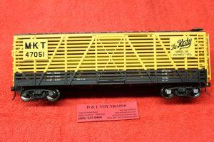2002455 Atlas O scale 2 rail Missouri Kansas Texas 40' stock car