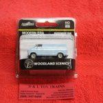 5362 Woodland Scenics HO scale modern era passenger van