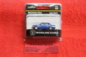 5363 Woodland Scenics HO scale modern era blue sedan