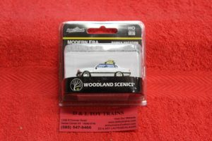 5370 Woodland Scenics Modern Era family vacation sedan