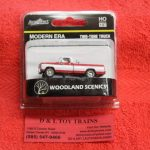 5371 Woodland Scenics HO scale two tone pickup truck