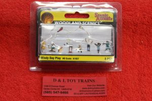 1937 Woodland Scenics HO scale windy day play