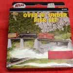 080 Atlas HO scale over n under pier set