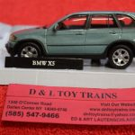 3009929 Atlas O scale 2 and 3 rail BMW X5 SUV