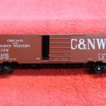 6413 Kadee HO scale Chicago North Western 50' PS-1 Boxcar