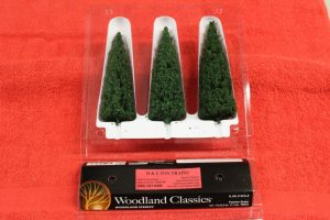 """3573 Woodland Scenics 6""""-7"""" Forever Green trees"""