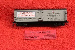 20002010 Atlas HO scale Eatmor Cranberries 40' wood side reefer car