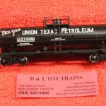 20002654 Atlas HO scale Union Texas Petroleum 11,000 gallon tank car
