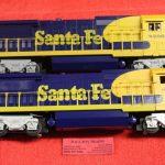 18206 Lionel O scale 3 rail Santa Fe dash 8-40B diesel engines 2 pack