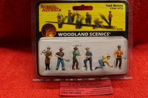 2723 Woodland Scenics O scale track workers figures