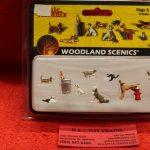 2725 Woodland Scenics Dogs & Cats figures