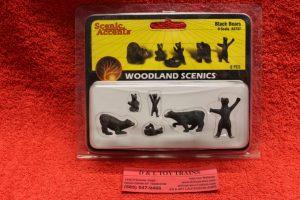 2737 Woodland Scenics O scale Black bear figures