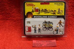 2752 Woodland Scenics O scale Bicycle buddies figures