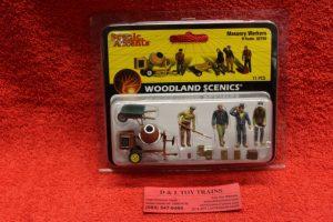 2753 Woodland Scenics O scale Masonry workers figures