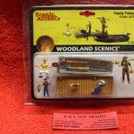 2756 Woodland Scenics O scale Family fishing figures