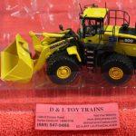 50-3262 First Gear 1:50th scale Komatsu WA500 wheel loader