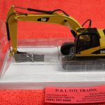 55282 Norscot 1:50th scale Cat 323D L excavator with hydraulic hammer