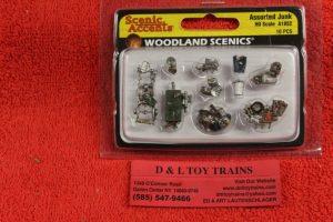 1852 Woodland Scenics HO scale Assorted junk