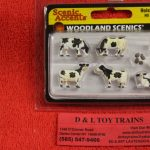 1863 Woodland Scenics HO scale Holstein Cows figures
