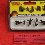 1885 Woodland Scenics HO scale Black bear figures