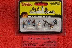 1894 Woodland Scenics HO scale Snowball fight figures