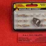 1957 Woodland Scenics HO scale Yorkshire pigs figures