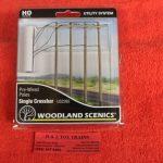 2265 Woodland Scenics HO scale single crossbar telephone poles